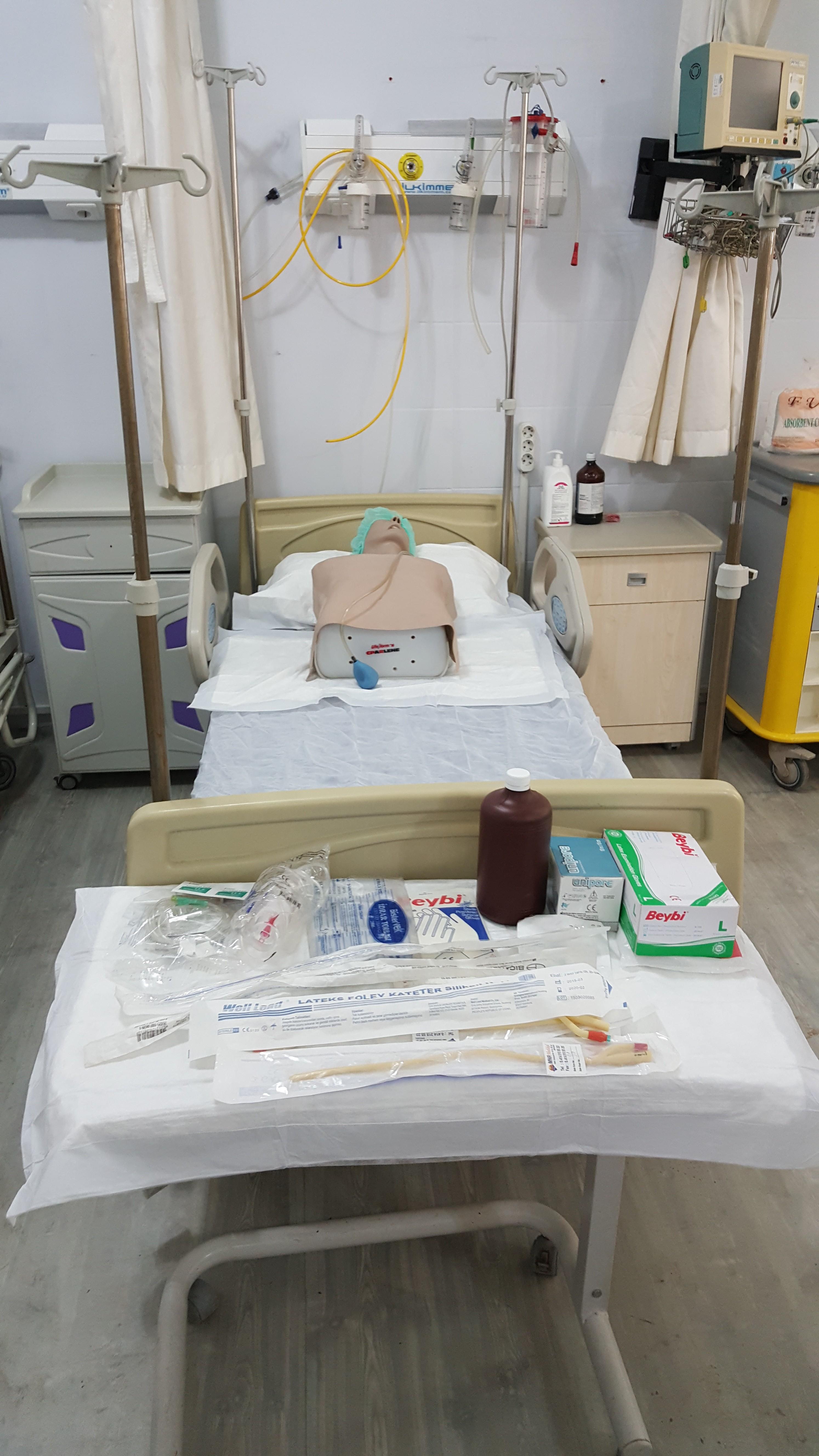 Entübasyon ve CPR Maketi Yarım Manken